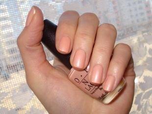 Маникюр на очень коротких ногтях, красивый бежевый маникюр на коротких ногтях