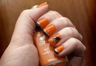 Коралловые ногти с рисунком, оранжевый френч с черными кончиками
