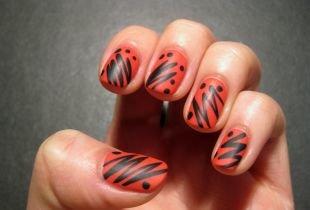 Абстрактные рисунки на ногтях, рисунки на ногтях гелевыми ручками