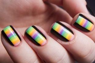 Маникюр на очень коротких ногтях, радужный маникюр