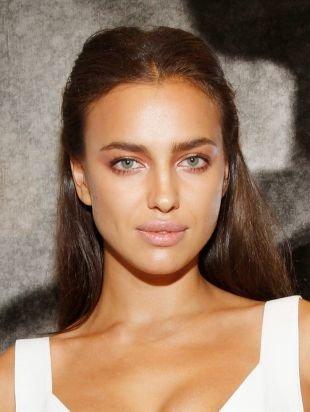 Дневной макияж для серых глаз, естественный макияж на 1 сентября