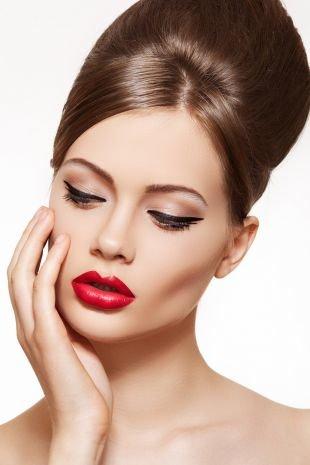 Вечерний макияж для серо-зеленых глаз, макияж на выпускной - стрелки