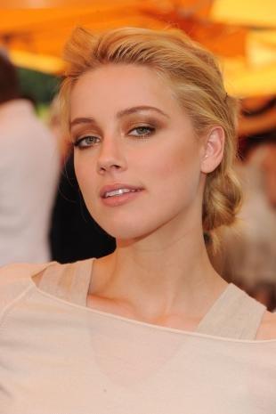 Макияж для блондинок, макияж в теплых тонах