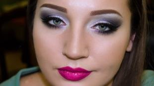 Макияж для маленьких голубых глаз, вечерний макияж в ярких тонах
