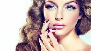 Свадебный макияж для голубых глаз и русых волос, весенний макияж в светло-фиолетовой гамме