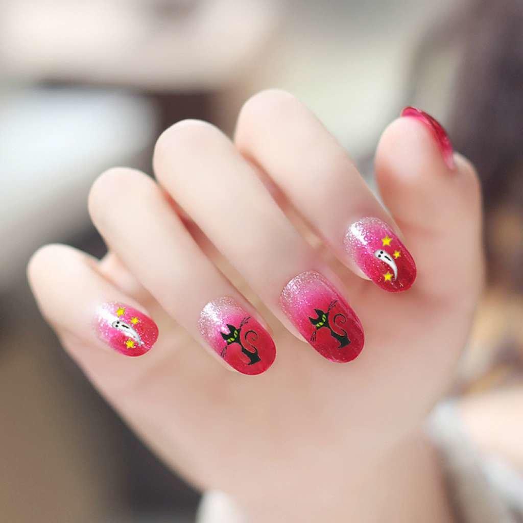 Аэрография на ногтях розовый