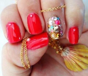 Дизайн ногтей со стразами, красный маникюр с морским декором