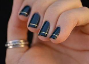 Рисунки на ногтях шеллаком, черный маникюр шеллак с золотой полоской