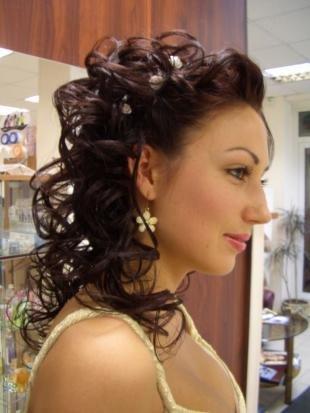 Свадебные прически локоны, прическа на длинные волосы для подружки невесты