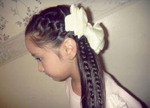 Прически на выпускной 4 класс на длинные волосы, интересная прическа в школу для девочек