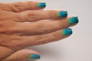 Рисунки на ногтях для начинающих, градиентный бирюзовый маникюр