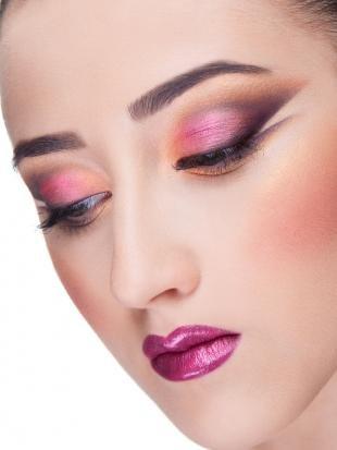 Арт макияж, макияж смоки айс для фотосессии