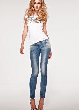 Женские джинсы: модные модели 2017 года