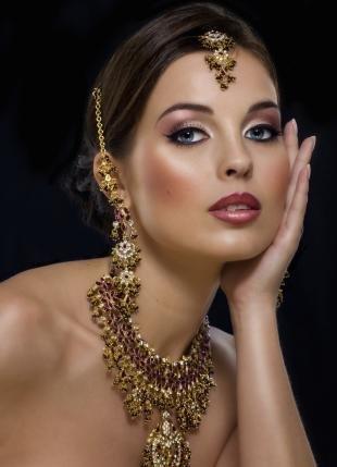 Свадебный макияж в восточном стиле, яркий восточный макияж для голубых глаз