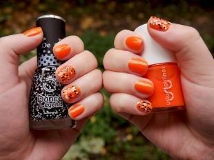 Маникюр в горошек, оранжевый маникюр на осень