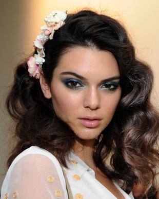 Темный макияж для карих глаз, праздничный макияж для черных глаз