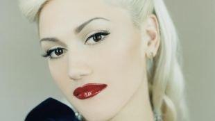 Яркий макияж для карих глаз, яркий макияж губ