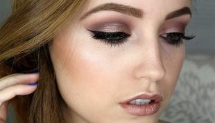 Макияж для опущенных уголков глаз, коричневый макияж для шатенок с серыми глазами
