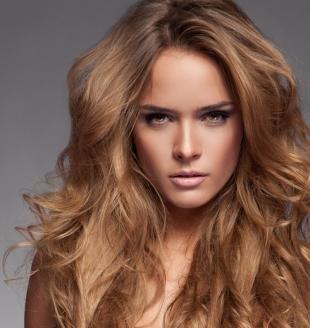 Медовый цвет волос на длинные волосы, натуральный цвет волос