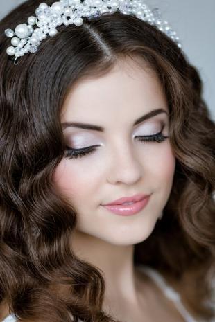 Свадебный макияж для круглого лица, свадебный макияж в светлой гамме