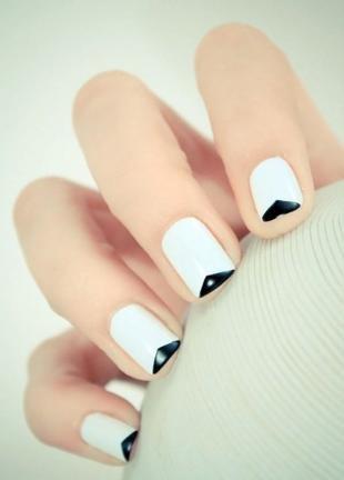 Черно-белый френч, свадебный дизайн ногтей на короткие ногти