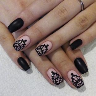 Маникюр с кружевами, ажурные наклейки на ногтях