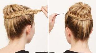 Цвет волос блонд, прически на 1 сентября - пучок, обвитый косой