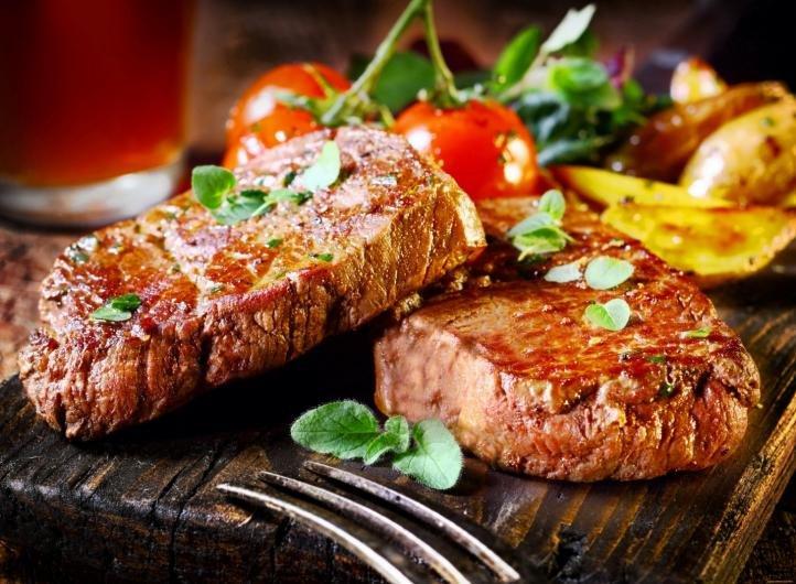 Мясо – основа питания для «охотников»