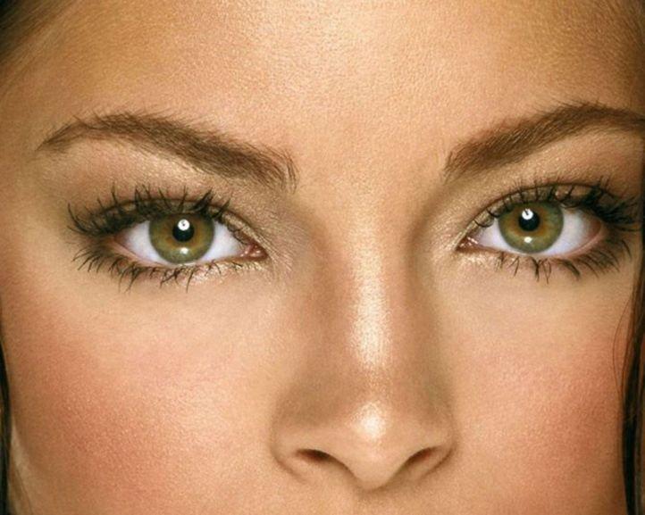 Макияж на последний звонок для каре-зеленых глаз